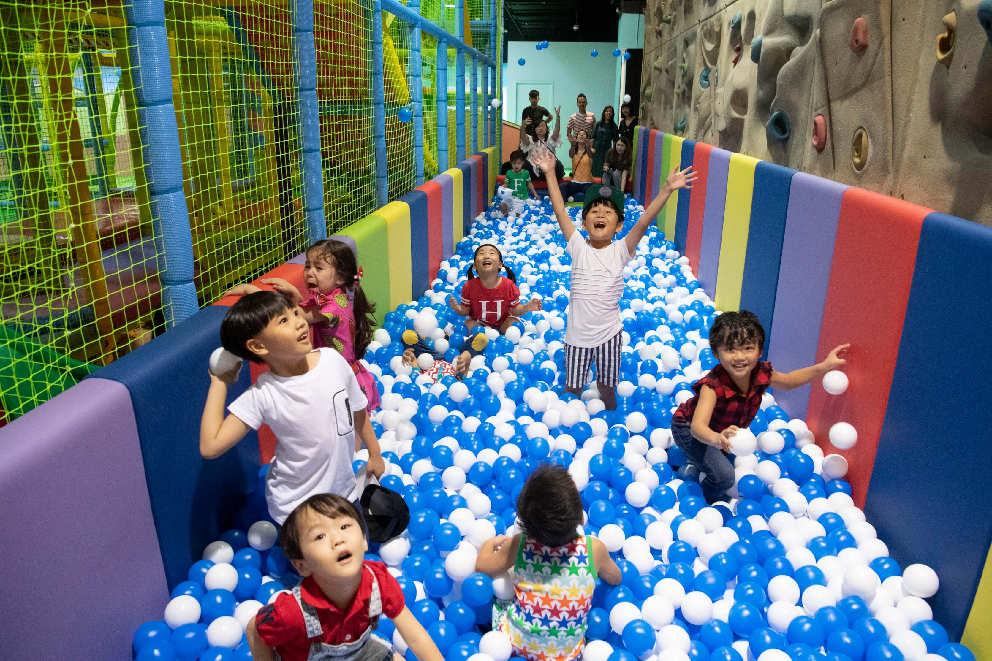 Cliff Ball Pool | Tayo Station